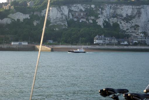 Im Vorhafen von Dover vor Anker
