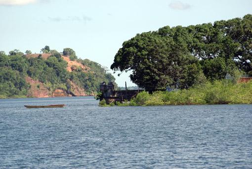 Altes Fort im Fluss
